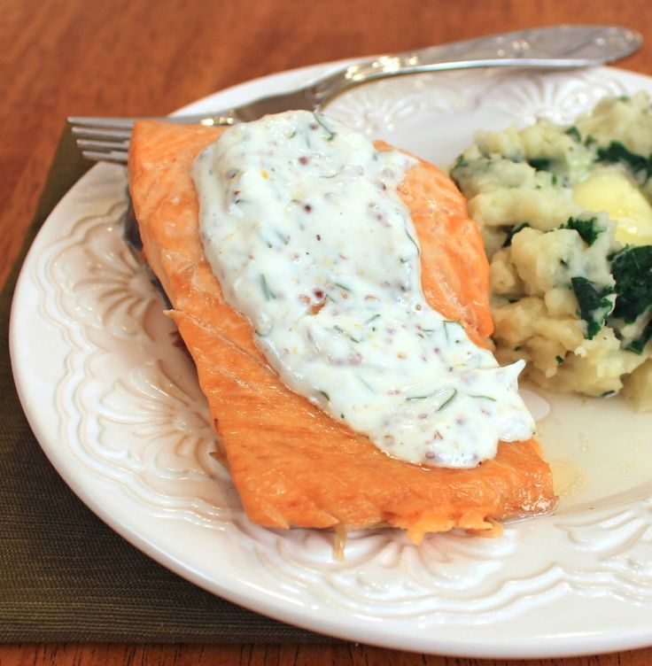 Poached Salmon with Dill Sauce