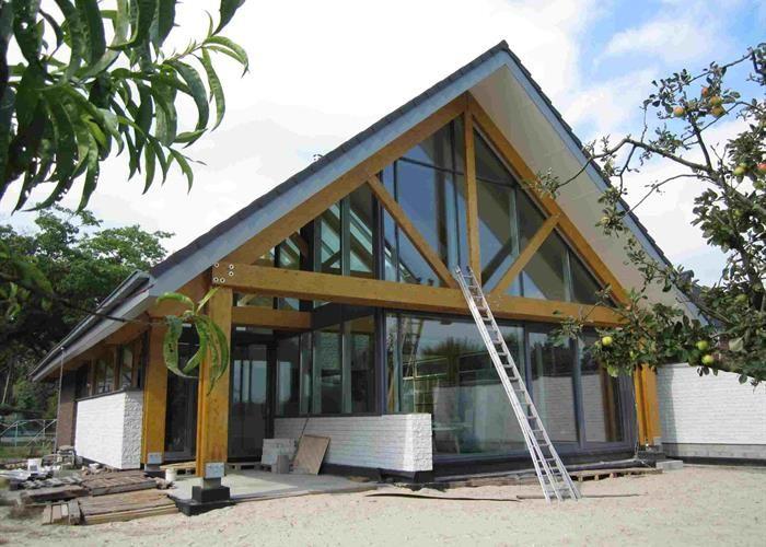17 beste afbeeldingen over woonboerenarcitectuur op pinterest moderne boerderijen ramen en house - Interieur eigentijds houten huis ...