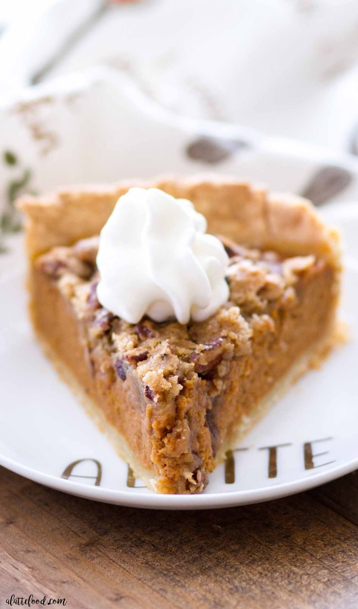 Apple Butter Pumpkin Pie with Brown Sugar Streusel
