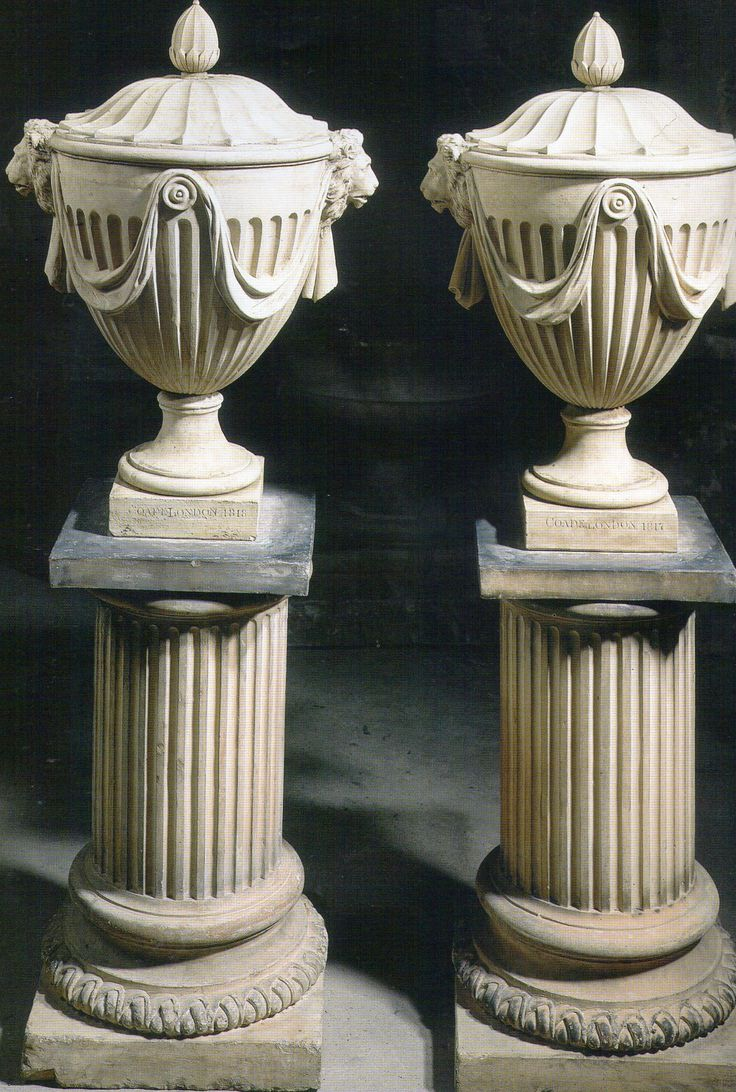vases in italian Vicenza limestone - design by Garden Ornaments Stone srl - www.gardenorn.com