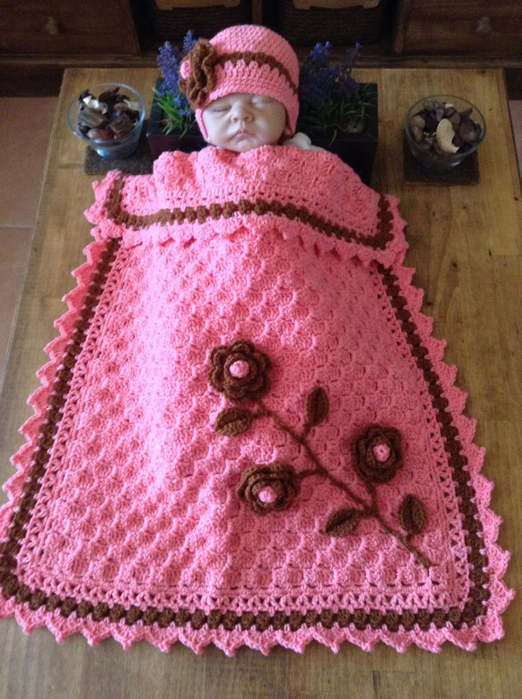 c2c Blanket  with flowers and hat