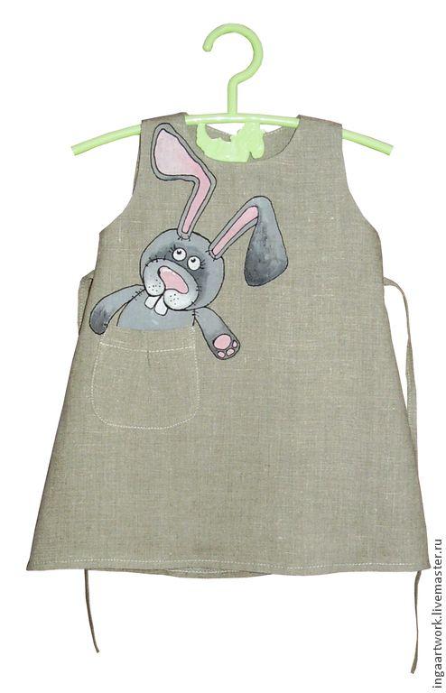 Купить или заказать Льняное детское платье.Ручная роспись.Размер по росту 86 см в интернет-магазине на Ярмарке Мастеров. Льняное детское платье. Ручная роспись. Размер по росту 86 см. Длина платья по спине 45см. Материал: натуральный лён. Рисунок выполнен высококачественными, не токсичными красками для льна, не стирается , не трескается, не боится влаги и перепадов температур.