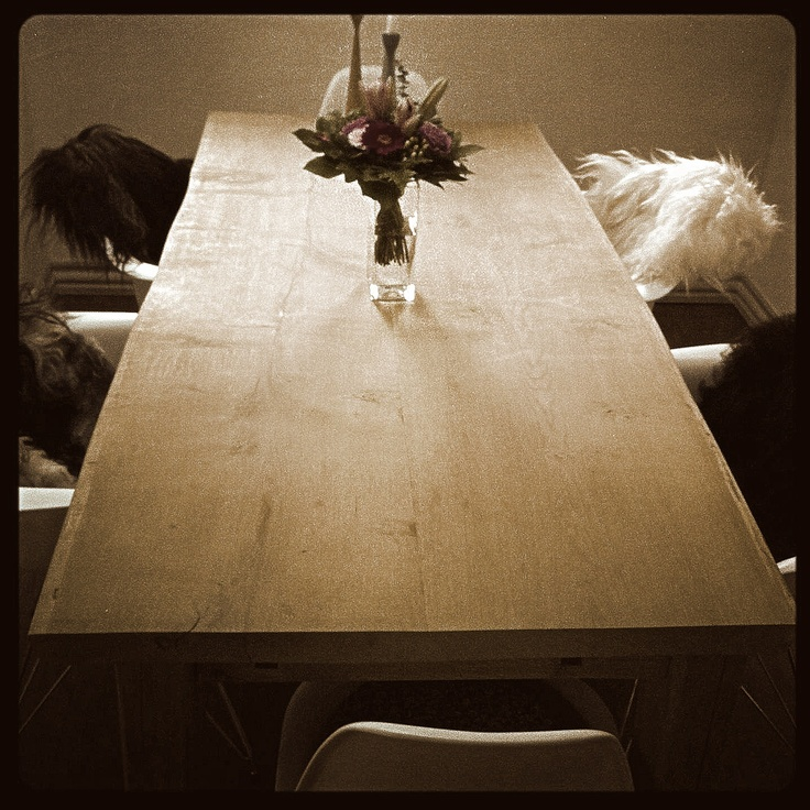 Rustik table by MUDAHULA
