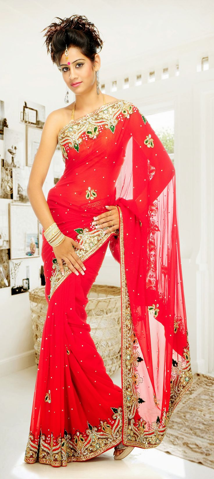 29 best Saris images on Pinterest | Indian saris, Indian gowns and ...