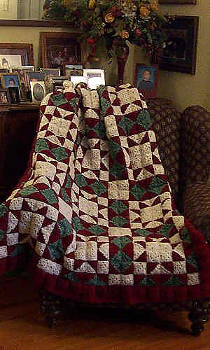 I love quilts and to be able to do this via crochet makes it doubly awesome! Ravelry: Roundabout pattern by C.L. Halvorson
