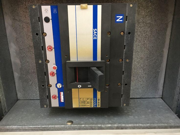 Interruttore scatolato SH630 rimovibile
