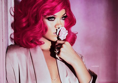 Awe Inspiring Les 25 Meilleures Idees Tendance Rihanna Red Hair Sur Pinterest Short Hairstyles For Black Women Fulllsitofus
