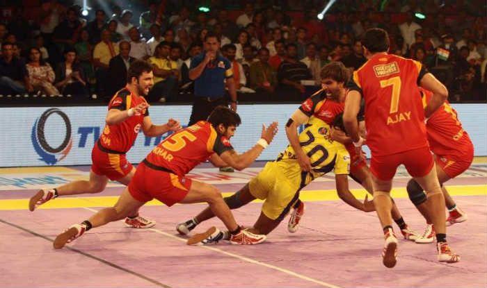 U Mumba defeat Telugu Titans 27-25   Pro Kabaddi League 2016 Live Score: U Mumba vs Telugu Titans Live Points Update