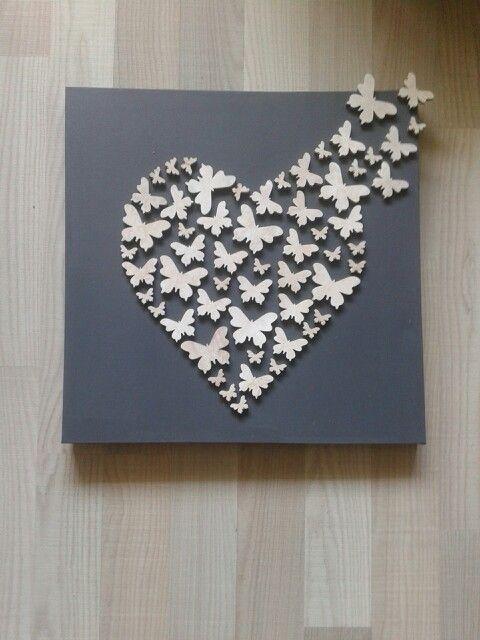 Hart op canvas gemaakt van vlinders
