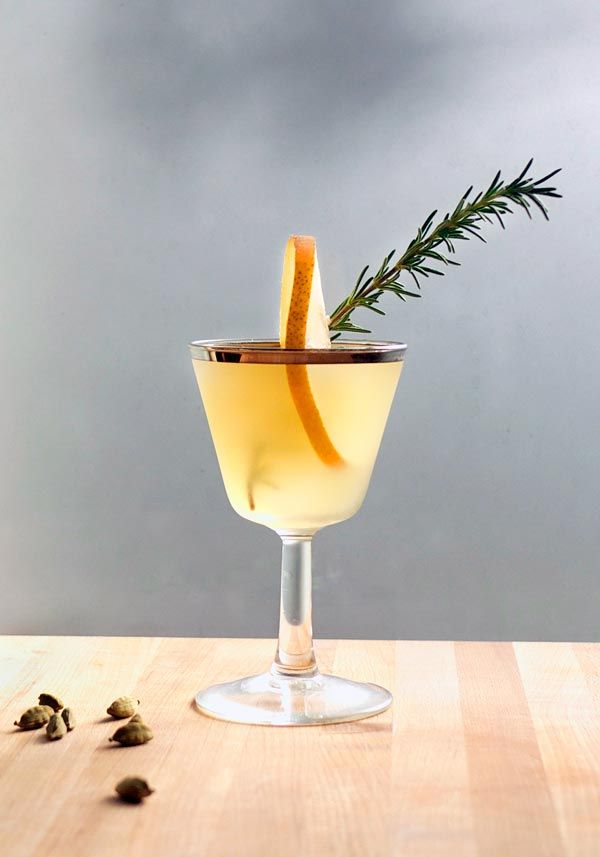 Mixology Monday: A Winter Pear Cocktail FoodBlogs.com