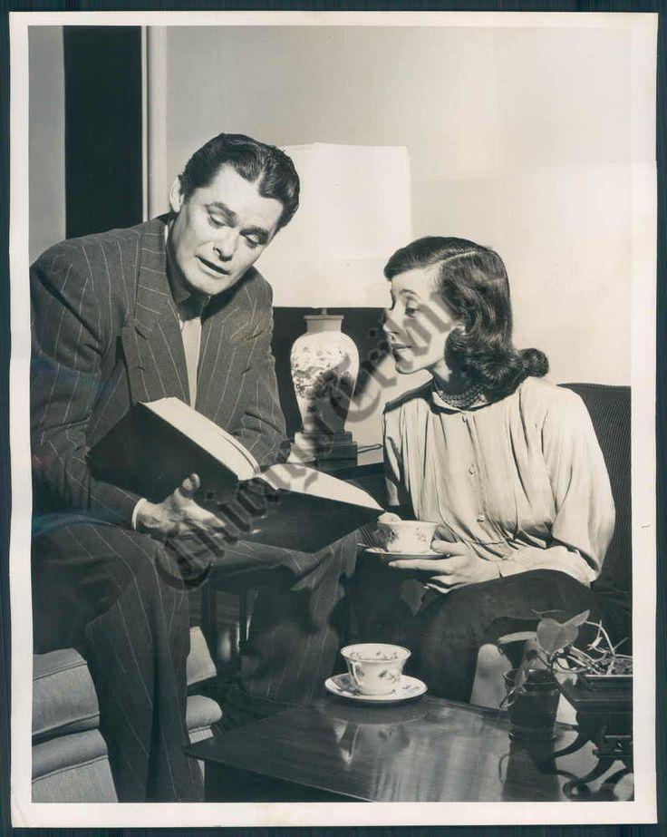 Perry Mason Radio Show. John Larkin as Perry Mason, Joan Alexander as Della Street.  April 16, 1951.