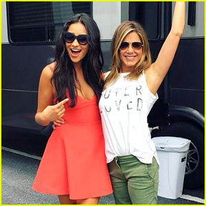 Shay Mitchell Films a 'Mother's Day' Scene with Jennifer Aniston ...
