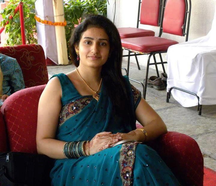 rich+Indian+aunty.jpg (720×623)