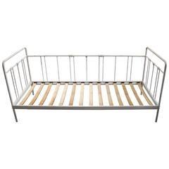 IRON SINGLE SOFA/BED IN WHITE BRUSHED W/WOODEN BASE (PAULOWNIA) 205Χ93Χ88