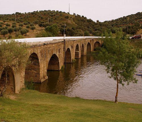 fronteira-alentejo-ponte-medieval.jpg (500×429)