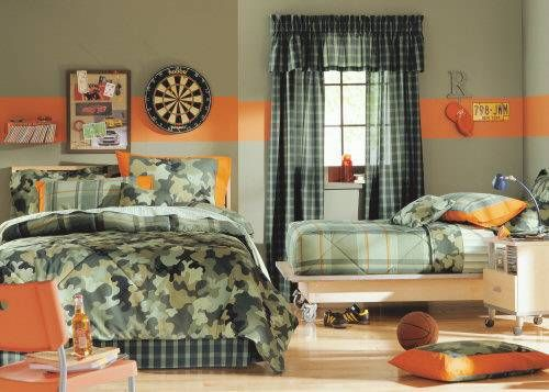 camo and orange room