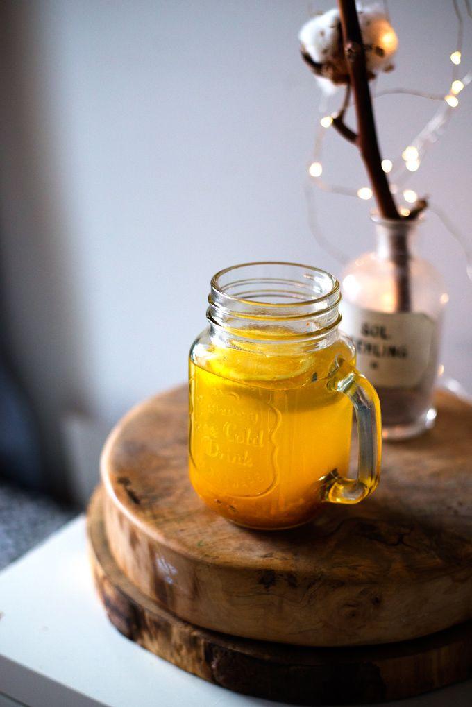 Rozgrzewająca herbatka z kurkumy, imbiru, miodu i cytryny. Napar imbirowy z kurkumą. Napój z kurkumy. Tonik z kurkumy. Kurkuma- właściwości