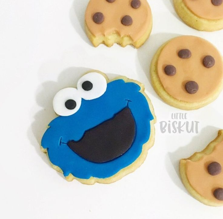 Cookie Monster and choc chip decorated cookies