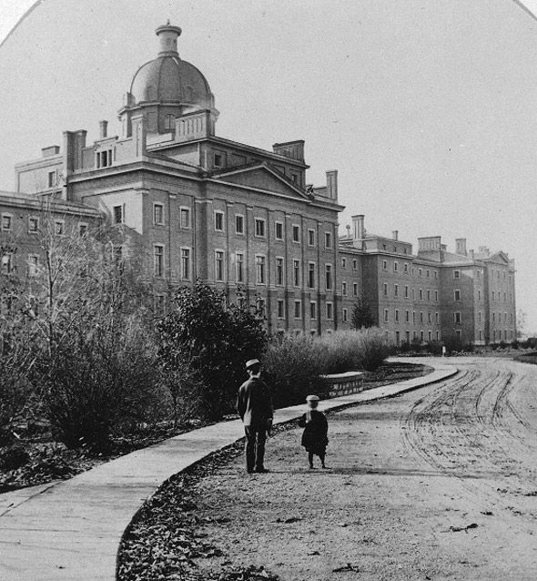 Toronto 1860's  how big was this building? 2011125-Asylum_Right_Wing_Toronto.jpg