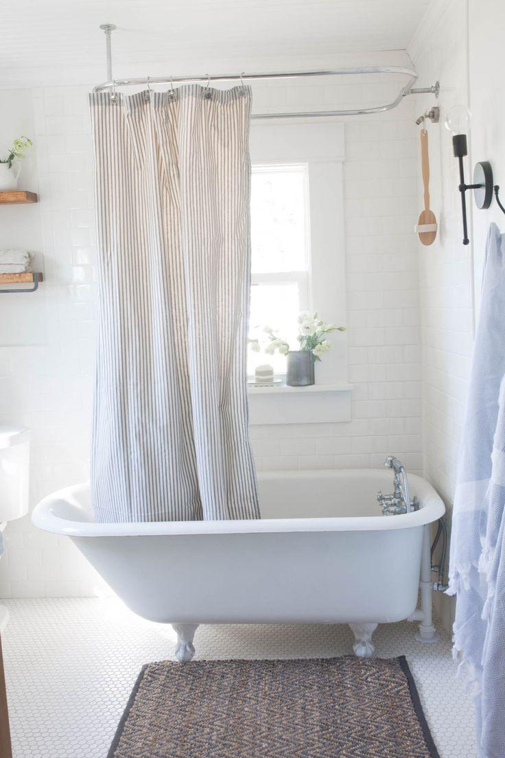 Farmhouse Bathroom Decor Makeover With Clawfoot Tub In 2020 Farmhouse Bathroom Decor Bathroom Farmhouse Style Clawfoot Tub Bathroom