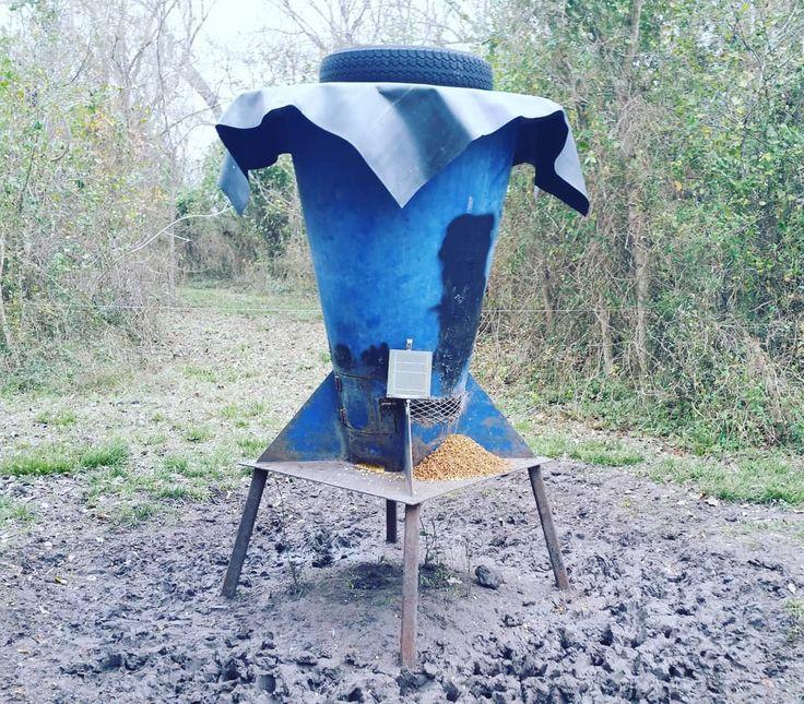 I believe this would be classified as a high tech redneck deer feeder #redneckfeeders #deerfeeder #bigblue #deercorn #huntingtechnology #solarpanels