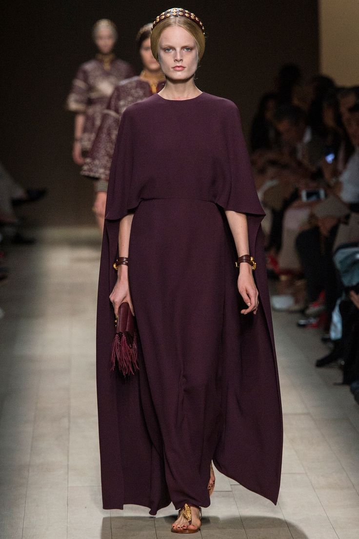 Valentino Spring 2014 Ready-to-Wear Fashion Show - Hanne Gaby Odiele (IMG)