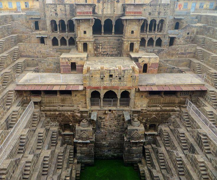 Stufenbrunnen in Indien von Victoria Lautman