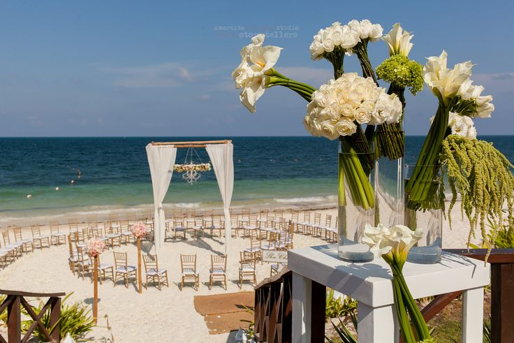 Stunning flowers, stunning ceremony, stunning ocean! Your wedding will most certainly be stunning at #NowSapphire