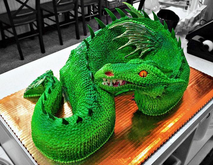 außergewöhnliche torten drachenkuchen grün