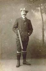 Mário Ferreira Duarte (Anadia, 7 de Abril de 1869 - Aveiro, 9 de Dezembro de 1939). Funcionário de Finanças e um dos mais completos desportistas que têm havido em Portugal, com atividade multiforme e enciclopédica: atirador, cavaleiro, ciclista, nadador, tenista, praticante do críquete, do golfe e do futebol, etc. Introduziu várias modalidades desportivas em Portugal, e deu o seu nome ao antigo Estádio Municipal de Aveiro do Sport Clube Beira Mar. Foi o 95º Sócio do Clube Tauromáquico…