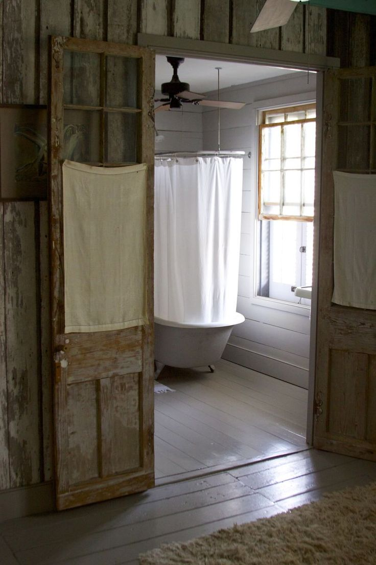 : Bathroom Doors, Decor Ideas, Houses, Bathroom Inspiration, Country Bathroom, Rustic Bathroom, Clawfoot Tubs, Bathroom Ideas, Mary Cooper
