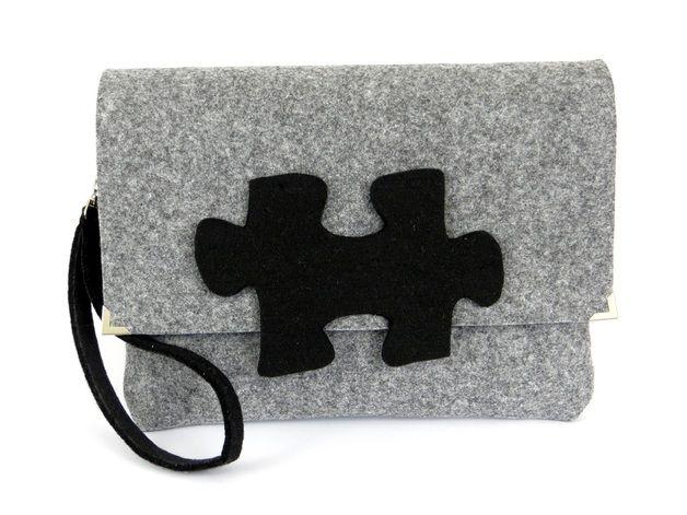 Bolsos de mano - Black puzzel - felt bag - hecho a mano por malafabryczka en DaWanda