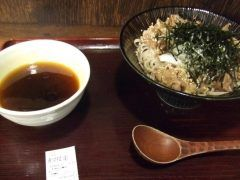 渋谷界隈でランチするなら生そば玉川はおすすめですよ もりそばが290円という驚きのプライスでかなりコシのある蕎麦です この価格ですが結構ボリュームがありますね そば湯も付いているので最後まで蕎麦を満喫できます tags[東京都]