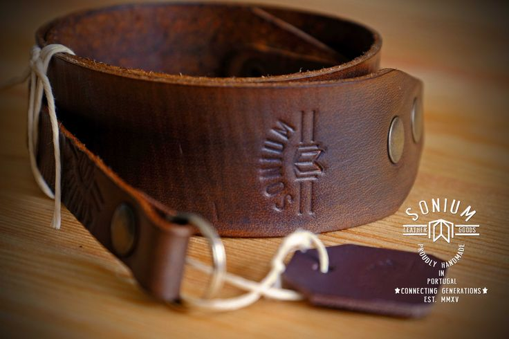 """SONIUM LEATHER"" Vintage Camera Strap  with used old style leather"