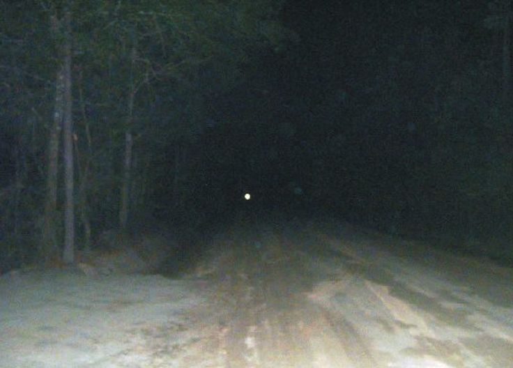 People have reported seeing mysterious, haunting lights on Bragg Road in Texas…