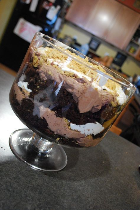 "WW Friendly - ""Point-less"" Meals: S'more Trifle - Uses chocolate cake, chocolate pudding mixed with cool whip, chocolate chips, crushed grahams and mallow fluff - amaze!"