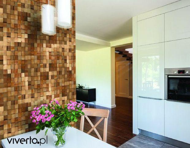W salonie, jako niezwykłe tło dla telewizora lub element dekoracyjny wokół biokominka, w sypialni za łóżkiem, a może w kuchni? :)  Tak naprawdę wyłącznie od Was zależy, gdzie znajdą się drewniane panele dekoracyjne CUBE. Ich niezwykłe, trójwymiarowe piękno pasuje do każdego wnętrza!   SZCZEGÓŁY TU:  http://bit.ly/CubeStegu  Źródło: stegu.pl    #stegu #drewno #wood #woodcollection #ozdoba #dekoracja #ściana #wall #salon #kuchnia #pokój #sypialnia