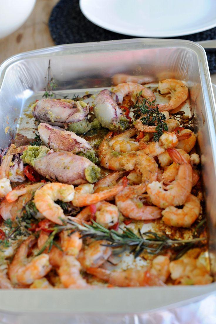 Krevety a plněné kalamáry BBQ style