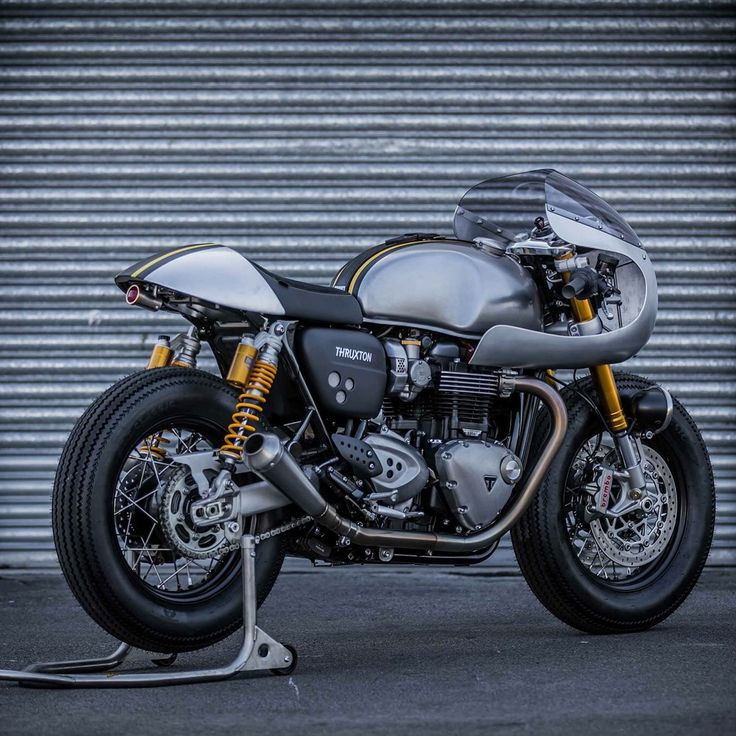 49 best images about triumph thruxton r on pinterest social media marketing ducati and. Black Bedroom Furniture Sets. Home Design Ideas