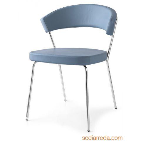 CB1084 New York - Sedia in metallo con rivestimento in pelle color blu artico