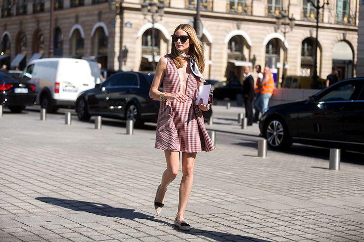 La elegancia parisina nunca muere, y la Semana #Couture es la prueba con su #StreetStyle: http://buff.ly/1NJDDWE