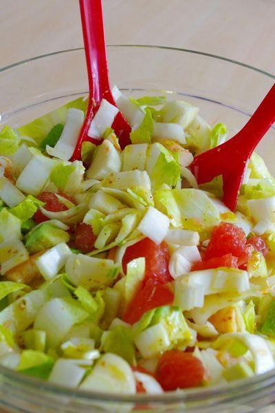 Salade gourmande et fruité - Endives, crevettes, avocats et pamplemousse