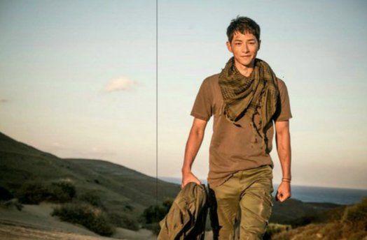 """""""Hậu Duệ Mặt Trời"""": Khán giả thót tim khi Song Joong Ki tử trận ở phút thứ 89! - Ảnh 15."""