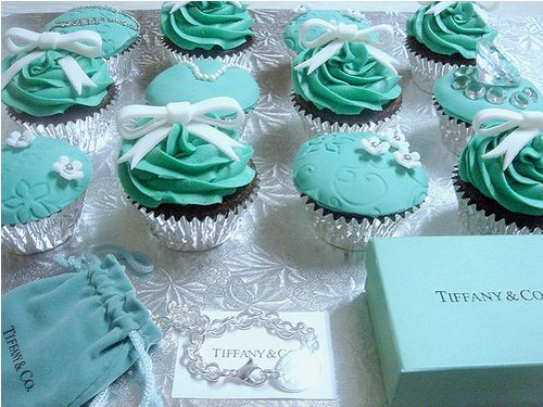 Tiffany's cupcakes: Tiffany Themed, Tiffany Blue, Breakfast At Tiffany, Tiffany Cupcake, Engagement Party, Tiffany Party, Blue Cupcake, Themed Cupcake, Bridal Showers