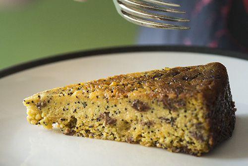 Whole orange and poppyseed dessert cake