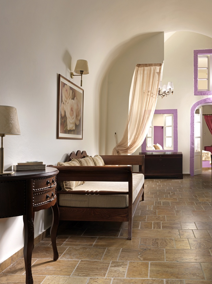 Hotel Resort Beauty: Let The Sea Fills Your Heart: Artistic Wall Mural  Stylish Bed Sofa Wooden Table Stone Floor Tiles