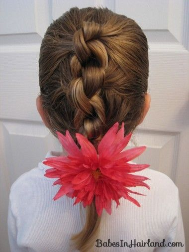 Row of Knots Hairstyle (8) i know it says here its for