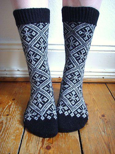 Listen to your Wanderlust pattern by Stephanie van der Linden, knit by Ravelry user Vanuata