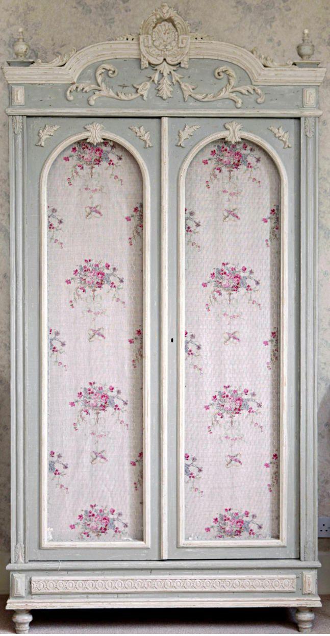 Un armario muy coqueto y adaptable a 1:12 English Cottage Decor ●  wardrobe