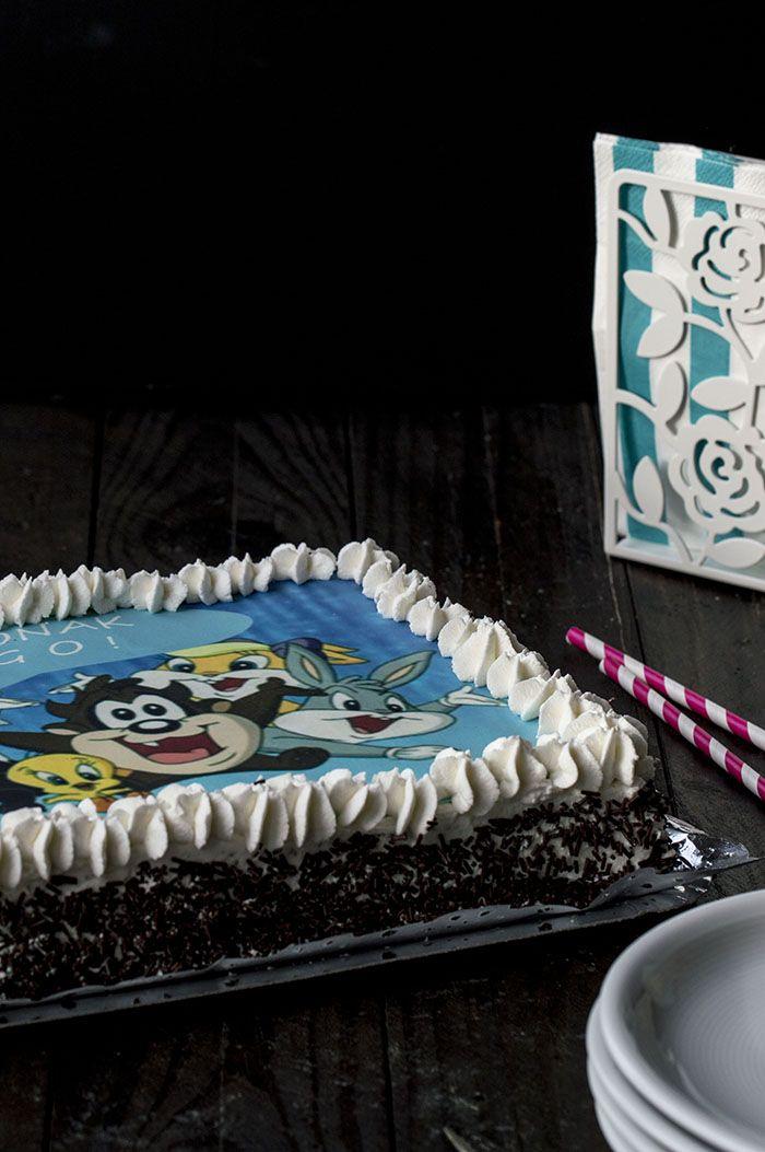 tarta de cumpleaños infantil. Tarta para niños